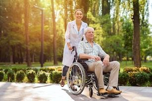Hasta Bakıcı ve Yaşlı Bakımı Kursu